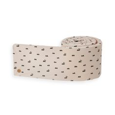 Arrange a pleasant and protecting sleeping environment for your baby with the decorative Rabbit bed bumper in a playful, stylish design. The cover is made ...