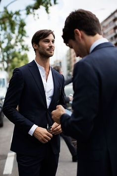 The Sartorialist. Wednesday, October On the Street…Viale Umbria, Milan. The Sartorialist, Costume Col Mao, Mode Costume, Fashion Mode, New Fashion, Male Fashion, Collarless Shirt Men, Stylish Men, Men Casual