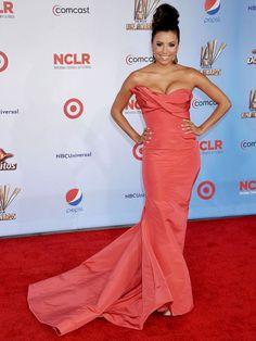 Eva Longoria in coral silk bustier Oscar de la Renta gown