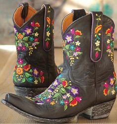Getting ready to paint some boots and looking for inspirations