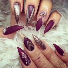 Work with LOVE 😙 #yegnails #❄️#yegnails #closeup # ALL DONE BY FREEHAND PAINTED 😉#edmontonnails #clientview #780nails #edmontonnailtech #cute #fade #edmlifestyle #edm #swarovski #blingnails #acrylicnails #fullset #yegnailtech #lacenails #nails #handpainted #freehanddesign #colors #nailart #no19 #vetrogel #silverleaf #goldleaf #nails #christmas