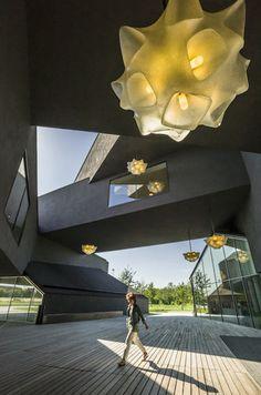 Olivier Touron, Entreprise Vitra à Weil Am Rhein (VITRAHAUS) en Allemagne  http://www.geo.fr/photos/reportages-geo/allemagne-l-usine-machine-a-touristes/la-vitrahaus