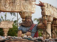 Escultor e Esculturas: Beto Carrero