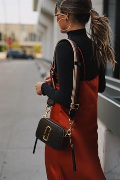6 Fall Trends to Buy at the Shopbop Sale - The Girl from Panama : Pam Hetlinger wearing a marc jacobs camera bag and a red silk dress Mark Jacobs Bag, Marc Jacobs Tote, Marc Jacobs Crossbody Bag, Marc Jacobs Handbag, Look Fashion, Winter Fashion, Womens Fashion, Casual Fall Outfits, Winter Outfits