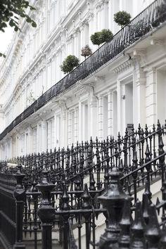 City Of London, London House, London Street, London Pubs, Travel Around The World, Around The Worlds, British Architecture, London Townhouse, Dream City