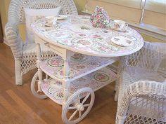 Vintage Tea Cart with Mosaic China by lavenderhillstudio Tea Trolley, Tea Cart, Shabby Vintage, Vintage Tea, Vintage China, Mosaic Crafts, Mosaic Projects, Wood Projects, Wood Texture