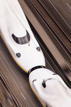 The Kiss; two Shinkansens merge to move ahead as one single train.