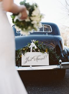 Timeless Country Club Wedding in Virginia :: Shana & Chris Read more at http://snippetandink.com/timeless-country-club-wedding-in-virginia-shana-chris/#wDBxXCCvIM2zHKmO.99