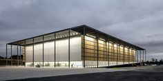 Gallery of Youth Arena / Vigliecca & Associados - 1