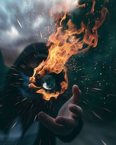 Surreal and Dreamlike Photo Manipulations by Daniel Frings (Artist reference) Art Photography Portrait, Smoke Photography, Photoshop Photography, Creative Photography, Best Quality Camera, Photographie Portrait Inspiration, Montage Photo, Pictures Of People, Best Photographers