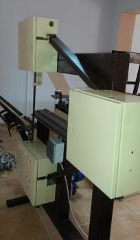 Sortimente masini debitat Drafting Desk, Filing Cabinet, Furniture, Home Decor, Google, Simple Lines, Homemade Home Decor, Binder, Home Furnishings