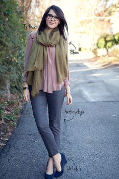 This looks like it would be super cute for autumn - I wish I could find more drapey tops like that!