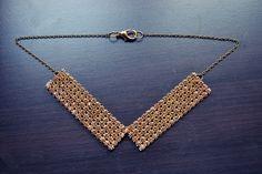 http://shinetrimny.blogspot.com/2013/01/diy-rhinestone-collar.html