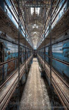 piranesi prison - matthew christopher murray's abandoned america