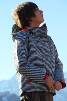 18c67e0039 Kinder gehören an die frische Luft. Ducksday weiß, worauf es bei guter  Outdoor Kinderkleidung