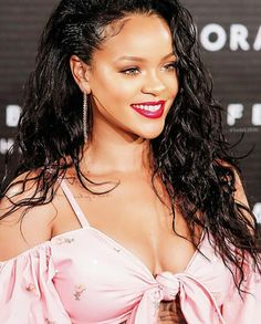 Rihanna dating nu 2014