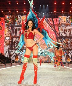 Kendall Jenner just walked in her first-ever VS Show wearing shoes with Angel wings, blue and red wings, a lace-up corset, and more. See every amazing look Kendall wore for the Victoria's Secret Fashion Show in Paris, here. Fashion Runway Show, Fashion Show 2016, Vs Fashion Shows, Fashion Week, New Fashion, Fashion Models, Trendy Fashion, Style Fashion, Runway Models
