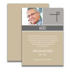 Carte de deuil neutre pour remercier après un décès. Ce remerciement de décès est très élégant dans ses teintes neutres gris et beige et permettra de remercier votre famille et amis avec une belle photo de la personne défunte.