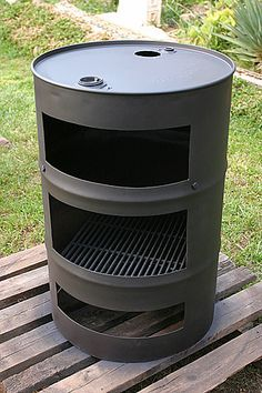 Discover thousands of images about Fire Pit made with old washer drums Outdoor Stove, Outdoor Fire, Outdoor Living, Outdoor Decor, Metal Projects, Outdoor Projects, Bbq Grill, Grilling, Fire Grill