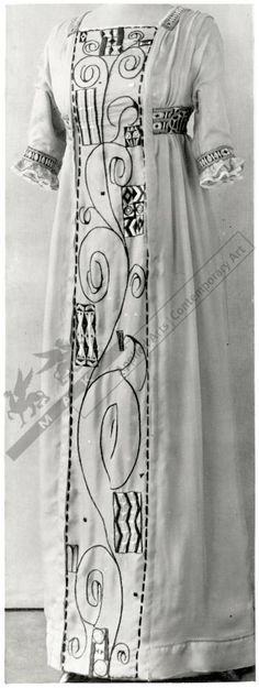 I AM IN LOVE WITH THIS DRESS!!! Dress, Eduard Josef Wimmer-Wisgrill, Vienna, 1911. Embroidered silk, braid. High waist, 3/4-length sleeves.