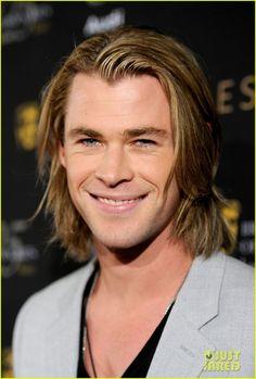 Chris Hemsworth- what a babe!!!