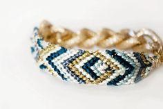 Mellow amitié bleu chaine dorée tribal Bracelet par luckysageshop, $22.00