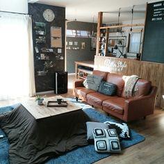 macaさんの、部屋全体,DIY,カフェ風,黒板,こたつ,クッションカバー,インダストリアル,こたつ布団,男前,しまむらのラグ,こたつ天板DIY,ビンテージソファー,ブログよかったら見てみて下さい♩,IG⇨maca_home,※コメ返できんかったらごめんなさい,のお部屋写真