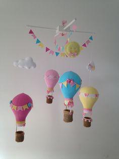 Móbile de Berço Balões com Nuvens e Sol | Ateliê Menina Bonita | Elo7