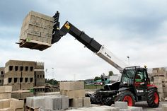 At the Intermat Middle East Exhibition at the Abu Dhabi National Exhibition Center from 14-16 January 2014, the star turn of the Bobcat disp...
