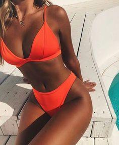 Solider Brasilianischer Bikini-Badeanzug mit hohem Bein und Dreieck – Zweiteiler… Solid Brazilian Bikini Swimsuit with High Leg and Triangle – Two Piece Solid Brazilian Bikini Swimsuit with High Leg and Triangle – Two Piece Suit – Swimsuits – Sexy Bikini, Brasilianischer Bikini, Bikini Sets, Bikini Babes, Women Bikini, Bikini Girls, Sequin Bikini, Bikini Beach, Bralette Bikini