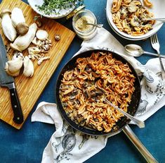 Creamy Mushroom Pasta - With Love from Frances - Happy earth people Creamy Mushroom Pasta, Creamy Mushrooms, Wild Mushrooms, Stuffed Mushrooms, Grain Free, Dairy Free, Food Photography Styling, Food Styling, Sugar Free Vegan