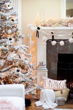 So I woke up with a sore throat but now I'm feeling much better. I think the smoke from the NorCal fires finally got to me. Cottage Christmas, Christmas Bedroom, Farmhouse Christmas Decor, Cozy Christmas, Homemade Christmas, Simple Christmas, Christmas 2019, Christmas Gifts, Winter Bedroom Decor