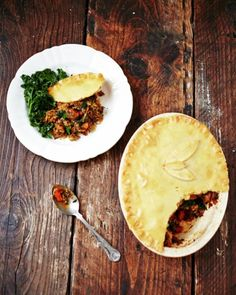 Spice up your usual Sunday roast for my tasty gluten free curried veg pie #recipeoftheday. If you're short of time, go out and buy ready-made gluten-free pastry in the freezer section of most supermarkets – just remember to fully defrost it before using!! Recipe over on my website xxJOXx