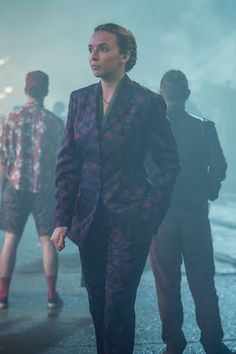 The Dries Van Noten patterned power suit. Suits Season, Season 1, Sandra Oh, Jodie Comer, Athleisure Trend, Vogue, Cool Style, My Style, Couture