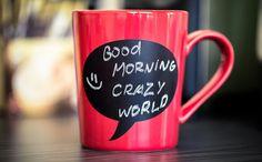 Caneca personalizada com tinta lousa. Com ela você pode escrever um recadinho diferente todos os dias, tornando suas manhãs muito mais animadas. Clique na imagem e confira!