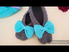 YouTube Crochet Slippers, Crochet Necklace, Baby Shoes, Knitting, Floral, Clothes, Youtube, Angeles, Fashion