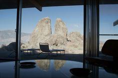 Oyler House: Richard Neutra's Desert Retreat via Nuji.com