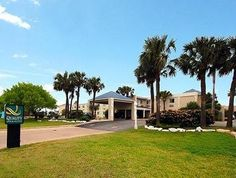 Corpus Christi (TX) Quality Inn and Suites on the Beach Corpus Christi United States, North America Quality Inn and Suites on the Beach Corpus Christi is a popular choice amongst travelers in Corpus Christi (TX), whether exploring or just passing through. Featuring a complete list of amenities, guests will find their stay at the property a comfortable one. Service-minded staff will welcome and guide you at the Quality Inn and Suites on the Beach Corpus Christi. Guestrooms are ...