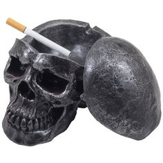 Amazon.com: Spooky Human Skull Ashtray with Cover for Scary Halloween Decorations and Decorative Skulls & Skeletons Figurines As Gothic Smoking Room Decor Gifts for Smokers: Home & Kitchen