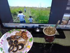 Huellas Pampas: Merendando con la familia de huellas pampas