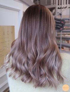 Pink Ash Hair, Purple Tinted Hair, Brown And Pink Hair, Light Brown Hair, Light Hair, Ash Brown Ombre, Balayage Hair Ash, Hair Highlights, Estilo Cool