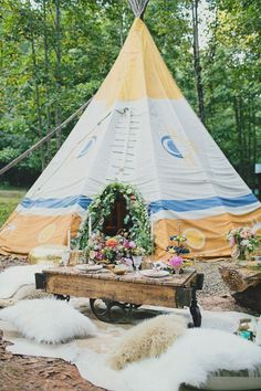 Blue Eyed Yonder | Boho Glam Wedding Inspiration - Photography by Our Labor of Love