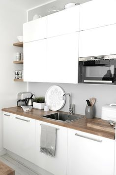 White and grey kitchen | White Featherdream, June 2013 [Original post in Finnish]