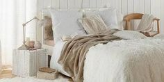 Une chambre cocooning duveteuse