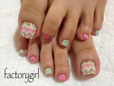 Chevron toe nail design, love the suttle colors too