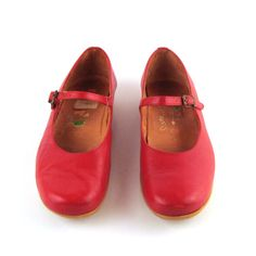 Famolare Red Shoes Mary Janes Vintage 1970s by purevintageclothing