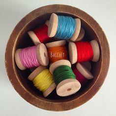 Ahsap makaralar #craft #crossstitch #crossstitcher #deco #dekor #dekorasyon #dikis #nakis #color #colour #makara #ahsapmakara #sew #rengarenk #renk #elisi #elsanatlari #hoopart #homedecor #woodbobbin Cross Stitch, Diy Projects, Sewing, Wood, Crafts, Home Decor, Punto De Cruz, Dressmaking, Manualidades