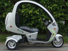 TRIFECTA THE 3 WHEEL SCOOTER