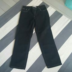 Tommy Hilfiger 8 black jeans Stretch jeans Size 8 Worn once Excellent condition Tommy Hilfiger Jeans Straight Leg