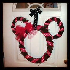 Kinsley's Minnie Mouse Birthday Wreath! =)